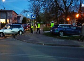 Poważny wypadek w Myszkowie. Na miejscu wylądował też śmigłowiec LPR