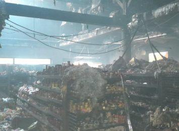 Pożar marketu w Brzyszowie w gminie Mstów. Policja wyjaśnia przyczyny