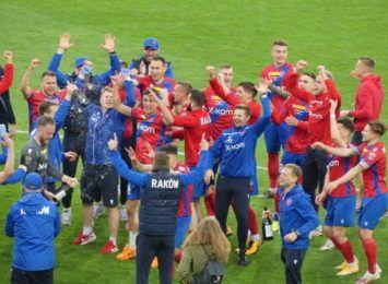 Raków Częstochowa awansował do kolejnej rundy eliminacji Ligi Konferencji Europy. Zdecydowały rzuty karne.
