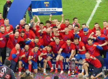 Zrób sobie fotkę z Pucharem Polski - to mega pamiątka, zapraszają włodarze RKS-u