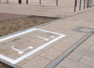 Hulajnogę zostawimy w 31 punktach na terenie miasta. Mini parkingi dla takich pojazdów już powstają