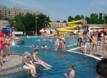 Otwierają w sobotę 26 VI letnią pływalnię przy Dekabrystów