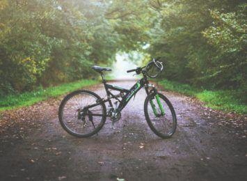 Zabezpiecz swój rower! W oznakowaniu pomagają policjanci z Lublińca