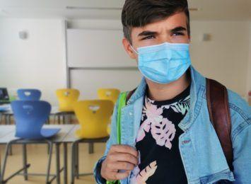 Kończy się dziwny, pandemiczny rok szkolny. O powrocie do szkół na krótko mówią uczniowie