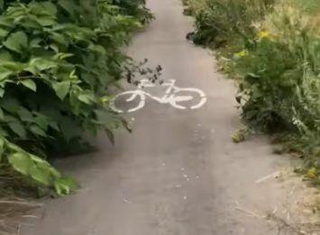 Na Szajnowicza-Iwanowa bez zmian - przejazd ścieżką rowerową nadal utrudniony