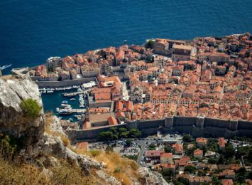 Chorwacja jednak żąda paszportu covidowego