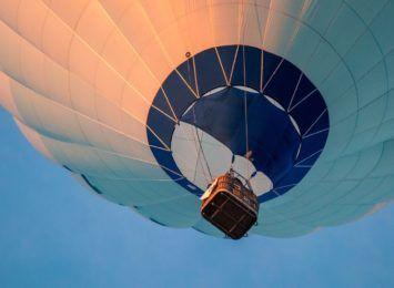 Wielobarwne balony nad Olsztynem i Janowem od czwartku do niedzieli w IV Jurajskich Zawodach Balonowych