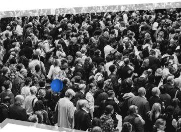 Jak nie zgubić dziecka w tłumie? Śląska policja podpowiada
