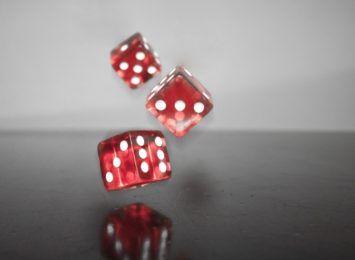 Zakręć kołem fortuny grając w automaty kasyno i sięgaj po swoje największe triumfy! [MATERIAŁ PARTNERA]