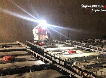 Znów problem z porzuconymi chemikaliami. Policja szuka sprawców z Prokuraturą Regionalną z Katowic