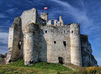 Zamek w Mirowie zostanie odrestaurowany. Prace już się rozpoczęły