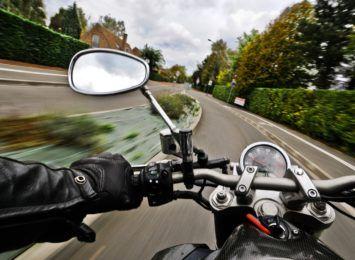 Sezon motocyklowy jeszcze trwa. Jest jednak mało bezpieczny