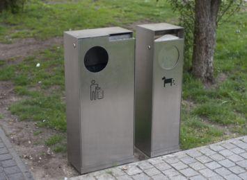 Apel o czystość naszych ulic ciągle aktualny. Strażnicy pouczają właścicieli psów